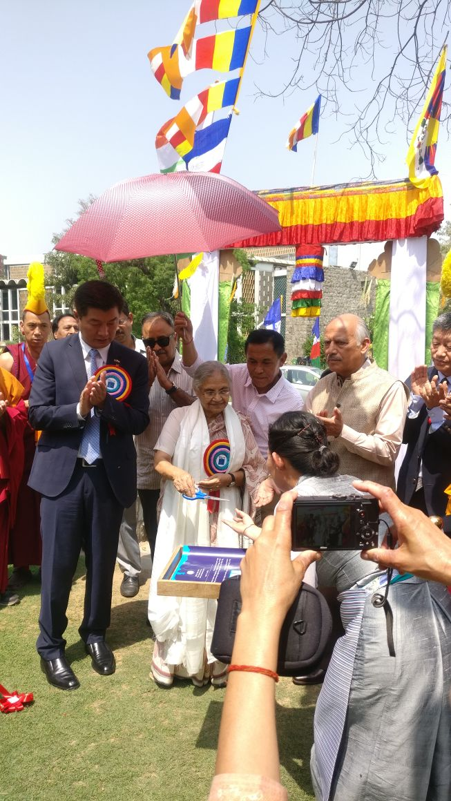 Inauguration-of-Tibet-Cultural-fest-by-L-R-Dr.-Lobsang-Sangay-President-Central-Tibetan-Administration-and-Former-Delhi-CM-Smt.-Sheila-Dixit