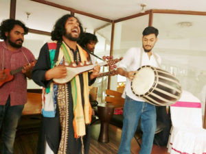 "Enjoy the folk music in ""Urotaar's"" forums"