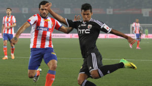 alen-deory-of-northeast-united-fc-and-baljit-sahni-Neufc-Fans