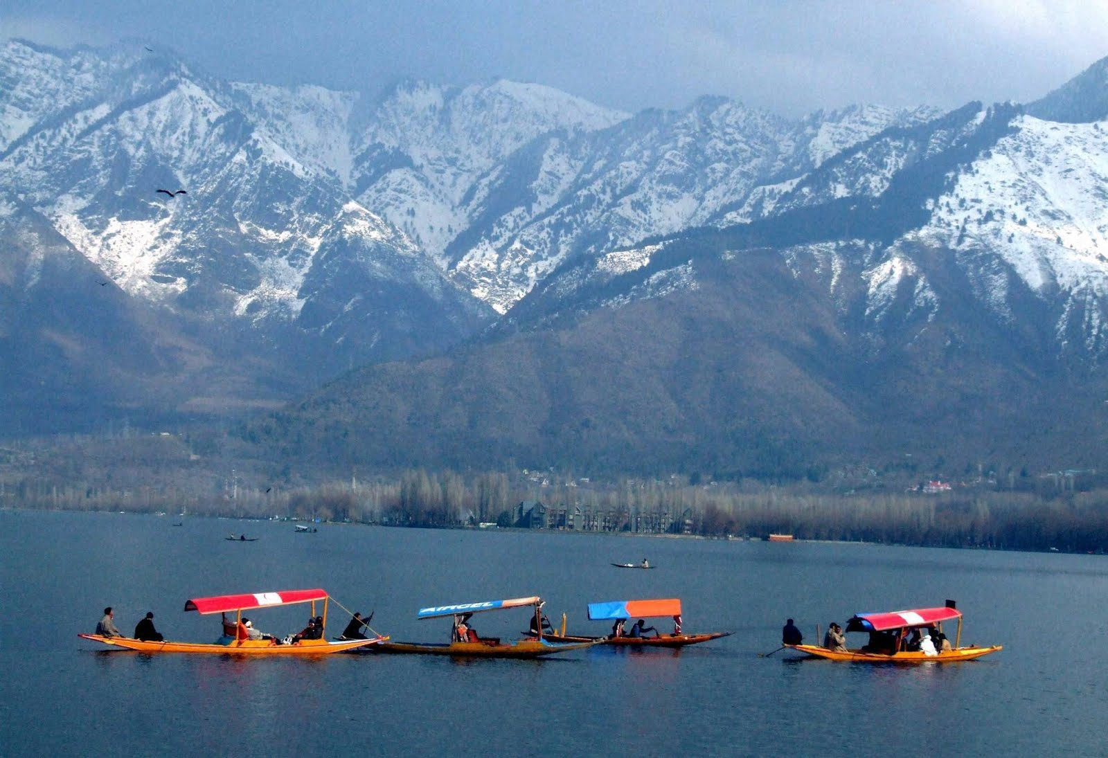 The scenic beauty of Dal Lake