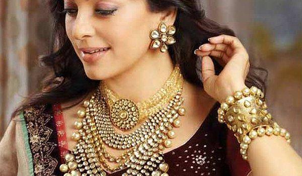 Necklace regulates blood flow!
