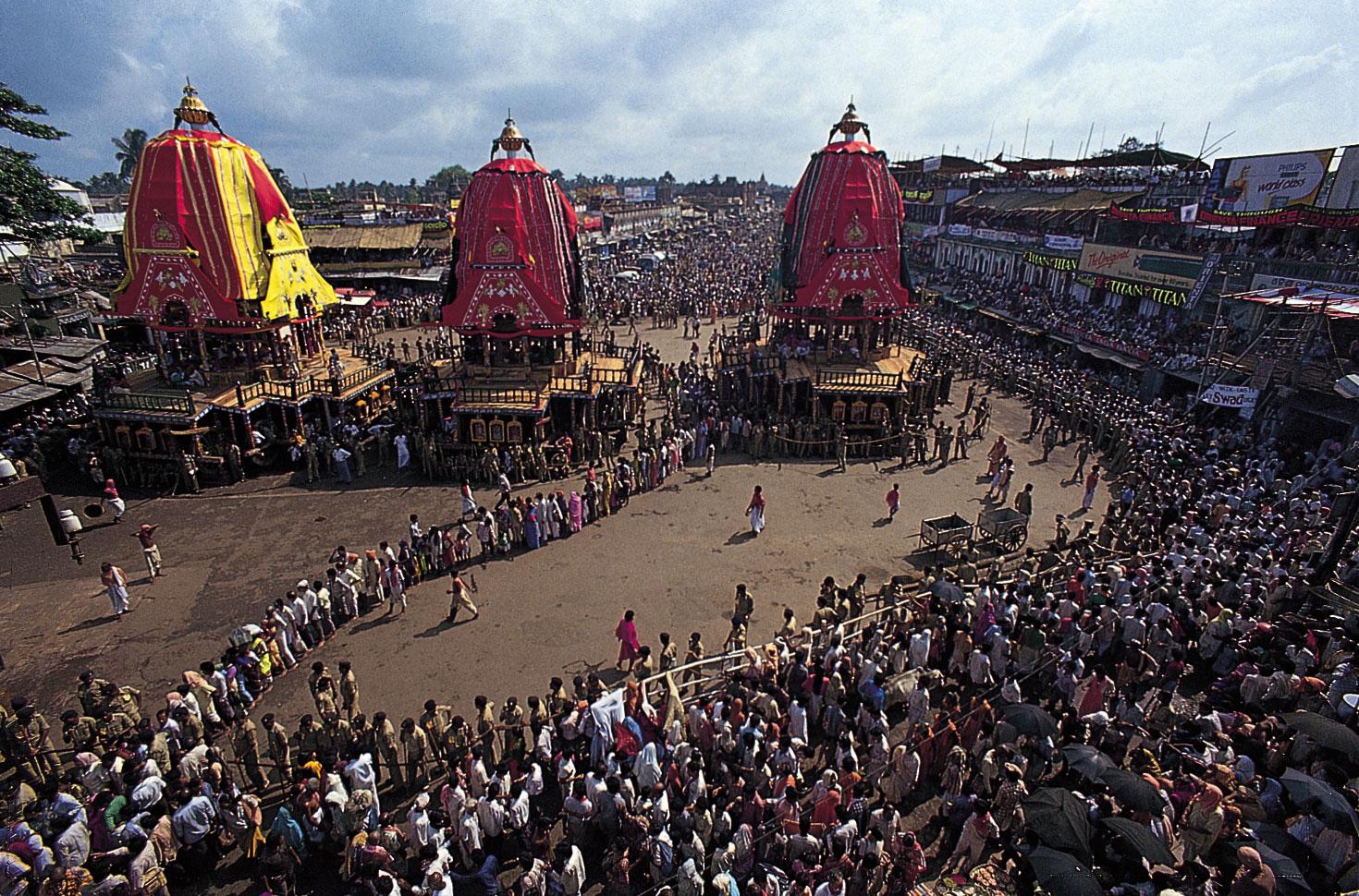 Pahandi of the deities begin