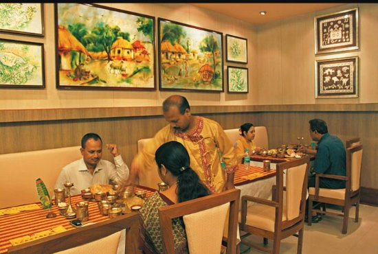 Visit Kasturi for an authentic Dhakai Bangladeshi cuisine, BananiVista
