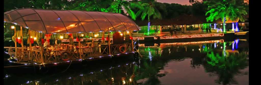 Exchange vows in the stunning backwaters of Kerala