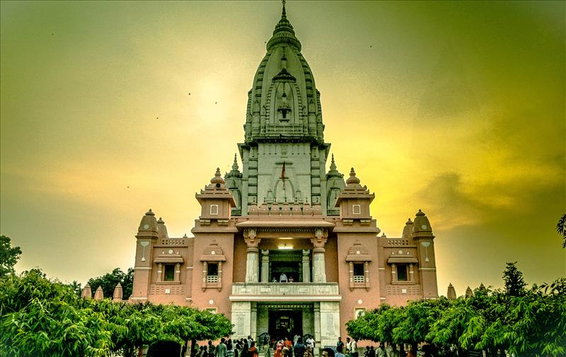 The Golden Kashi Vishwanath Temple
