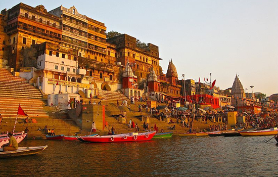 Trip to Varanasi Ghat with Bananivista