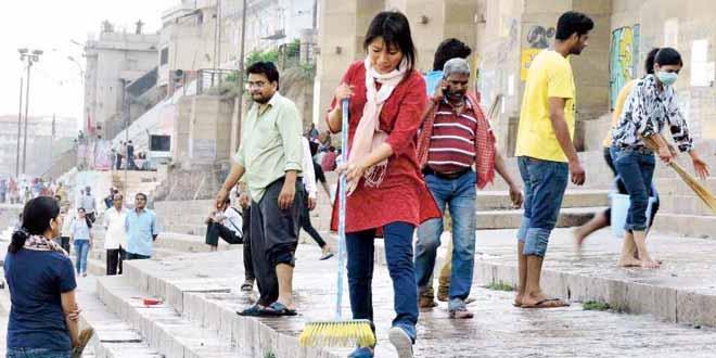 Mission Clean India at Varanasi Ghats