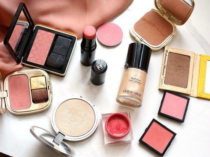 BananiVista, Interview with makeup artist