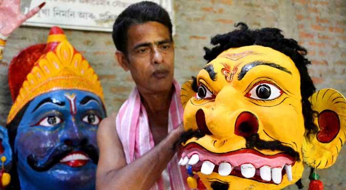 Artist making Mask