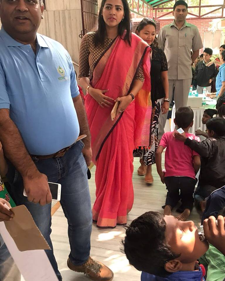 Priyanka at a health camp for kids