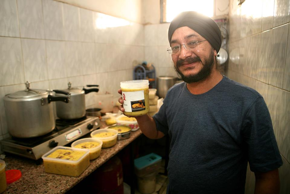 Jojo Singh of Woof Yums- A homecooked dog food startup. Image courtesy: www.desientrepreneurs.com
