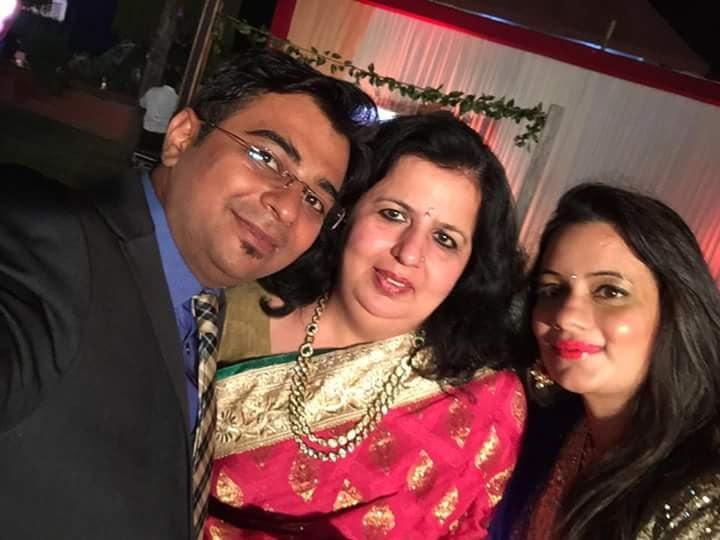 Supriya with her daughter Aakanksha Chadha Gandhi and son-in-law, Kumar Gandhi