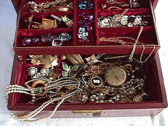 Use Jewellery box