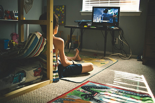 Extended screen time can hamper cognitive abilities