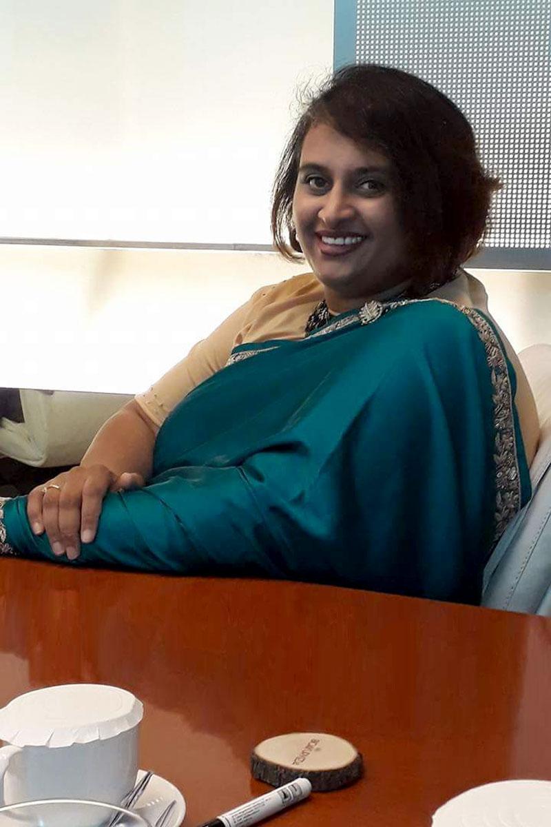 BananiVista, Meeting Expat in India