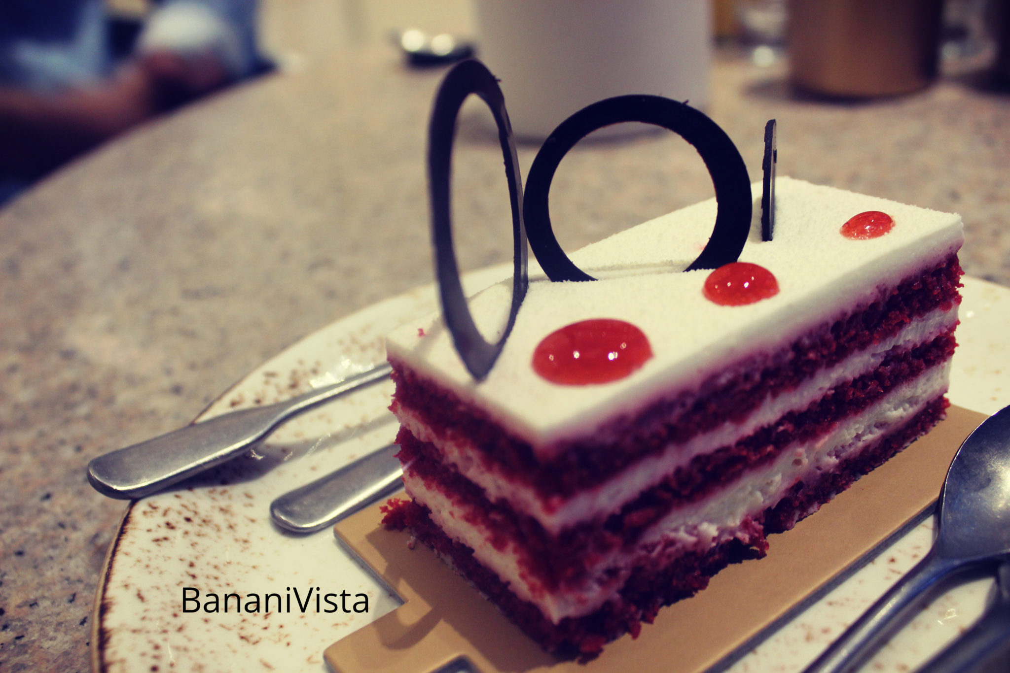 Red Velvet- Menu, BananiVista