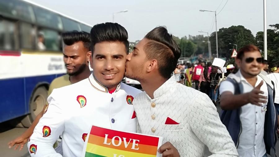 Pride March, BananiVissta